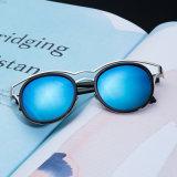 2017 nuove tonalità dell'occhio di gatto di vetro di Sun del nastro metallico degli occhiali da sole delle donne del progettista di marca per le donne (97068)