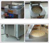 Baguette do projeto e linha de produção longa da padaria do pão