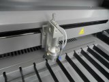 Avrylicのステンレス鋼の二酸化炭素レーザーの打抜き機
