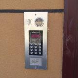 デジタルボタン(広告276SKi A5)が付いているビデオドアの電話シェル