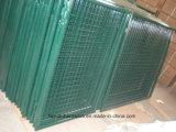 電流を通されたおよび粉の上塗を施してある装飾のヨーロッパの庭ゲート