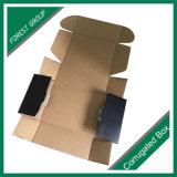 تجاريّة يعبّئ منتوجات [إ] خدة عادة أسود يرسل صندوق