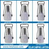 Una lanterna di campeggio ricaricabile di 12 SMD LED