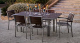 現代単にヨーロッパ人のPolywood正方形表4のスタッキングの椅子の屋外のレストランの家具セット