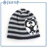 Шлем шарфа Knit и связанный перчаткой комплект