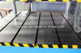 L'usine dirigent la presse hydraulique de quatre fléaux