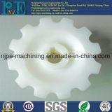 POMの車輪を回す良質OEMのプラスチックCNC
