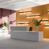 Het moderne Kantoormeubilair van het Bureau van de Ontvangst van de Melamine van de Selectie van de Kleur van het Ontwerp Tegen Elegante