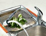 Il bicromato di potassio Polished moderno estrae il rubinetto d'ottone della cucina