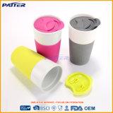 Tazza di ceramica promozionale con il guanto del silicone