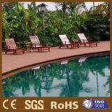 Neuer WPC Decking für Swimmingpool