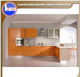Moderne hohe glatte weiße Lack-Flachgehäuse-Faser-Küche-Möbel mit Countertop-Stein