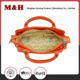 A forma portátil feita sob encomenda da grande capacidade ensaca o saco de couro do saco das senhoras do plutônio