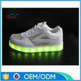 最上質の男女兼用LEDの歩きやすい標識燈LEDの靴