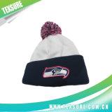 球(098)が付いている昇進の平手打ちされたアクリルの編まれた冬の帽子の帽子