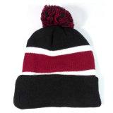 Tampão feito malha listra do chapéu do Beanie do inverno do costume POM POM