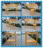 Base elevada contínua do dorminhoco da madeira de pinho com mesa