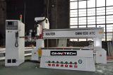 Auto router eficiente elevado do CNC do cambiador da ferramenta com o servo motor de Japão para o armário da porta