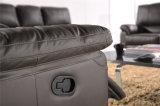 현대 가죽 소파는 거실을%s 수동 기능 가구를 사용되어 놓는다