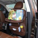 어린이용 카시트 조직자와 가진 iPad와 정제 홀더