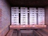 Lehm-Block, der Maschine bildet