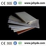 Panneau moyen de PVC de plafond de la cannelure 5*200mm pour la décoration intérieure