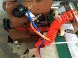 Le plastique tissé renvoie la machine à coudre automatique