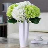녹색을%s 가진 단 하나 인공적인 Hydrangea 꽃