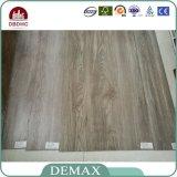PVC Revêtement de sol en vinyle Surface en bois avec Click Design Revêtement de plancher en vinyle