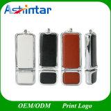 Ledernes USB-Blitz-Laufwerk mit geprägtem Firmenzeichen