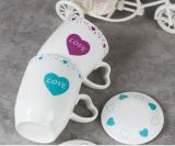 Taza de cerámica de la mejor alta calidad al por mayor del precio con la tapa y la etiqueta