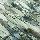 A cozinha do projeto do corte da mão perla a telha de vidro do mosaico para a venda