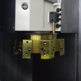 CNC 수직 도는 기계