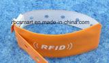 L'identificazione di RFID/NFC del PVC a gettare del Wristband/braccialetto scheggia l'ospedale un uso di volta