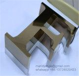 平らな切口によってブラシをかけられるステンレス鋼の文字