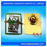 カスタマイズされる会社のロゴのダイカストの金属の名前Pinのバッジを