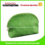 A composição verde cobre o saco do cosmético do plutônio