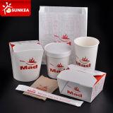 Plato chino, arroz, bolas de masa hervida, papel, comida para llevar