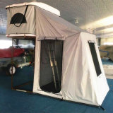 Легкий шатер снесенный верхней части плоского автомобиля