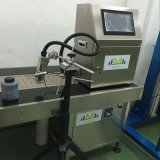 Stampante di getto di inchiostro industriale di codice cinese tenuto in mano della data