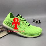 Schoenen van de Sporten van de Bevochtiging van het Plastic Materiaal van de Nanotechnologie van het Kussen van de Lucht van de Tennisschoenen van mensen de Enige Lopende 40-47 Werven