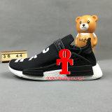 ブランドのPrimeknit Camoメンズ運動靴のオリジナルのNmdsの白いランナーを離れたPharrellウィリアムスHuの人種Nmd Xは靴を遊ばす