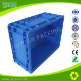 L'azzurro resistente parte il recipiente di plastica