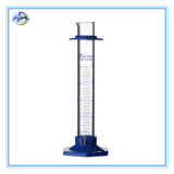 Стеклянный измеряя цилиндр с пластичным основанием