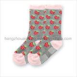 Симпатичная милая конструкция популярная для носка хлопка младенца