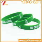 La vente chaude gravent en relief gravent des bracelets de silicones pour des cadeaux de promotion