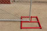 建築現場のチェーン・リンクの一時塀