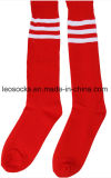 2017 Striped klassischen Entwurfs-Sport über Knie-reinen Baumwollfußball-Socken