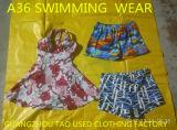 Neue Ankunfts-Großverkauf-Kleidung verwendeter Schwimmen-Klage-hoher Grad, Qualitätsgrad eine verwendete Kleidung