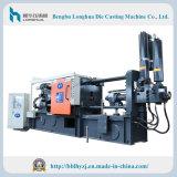 L'alloggiamento freddo la macchina di pressofusione per la fabbricazione dei pezzi fusi del metallo